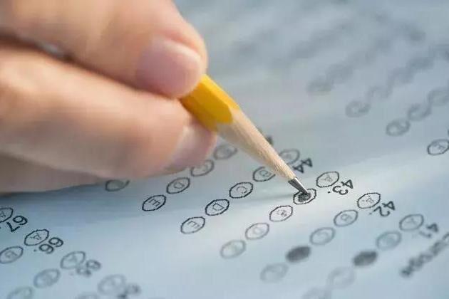 为何美国大学录取不只看标化成绩?