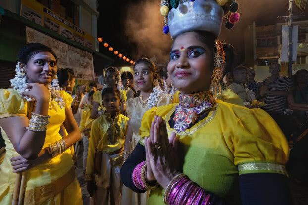 印度种姓制度按肤色划分,中国人去到那里,算得上哪个等级的?