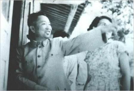 刘亚楼听完更怒火冲天:谁再敢拦她,我枪毙谁,让她过来把话说完