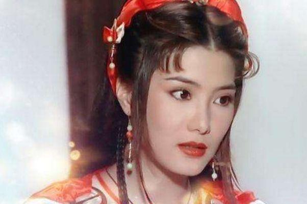 与杨紫琼同为功夫女星,却因拍戏受伤退出娱乐圈,如今仍单身