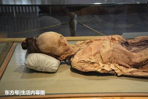 怀孕古尸产活女婴真相,雪埋600年女尸产7斤女婴