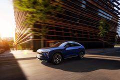 蔚来带来全新的 EC6 智能轿跑 SUV,最快会在明年 9 月上路