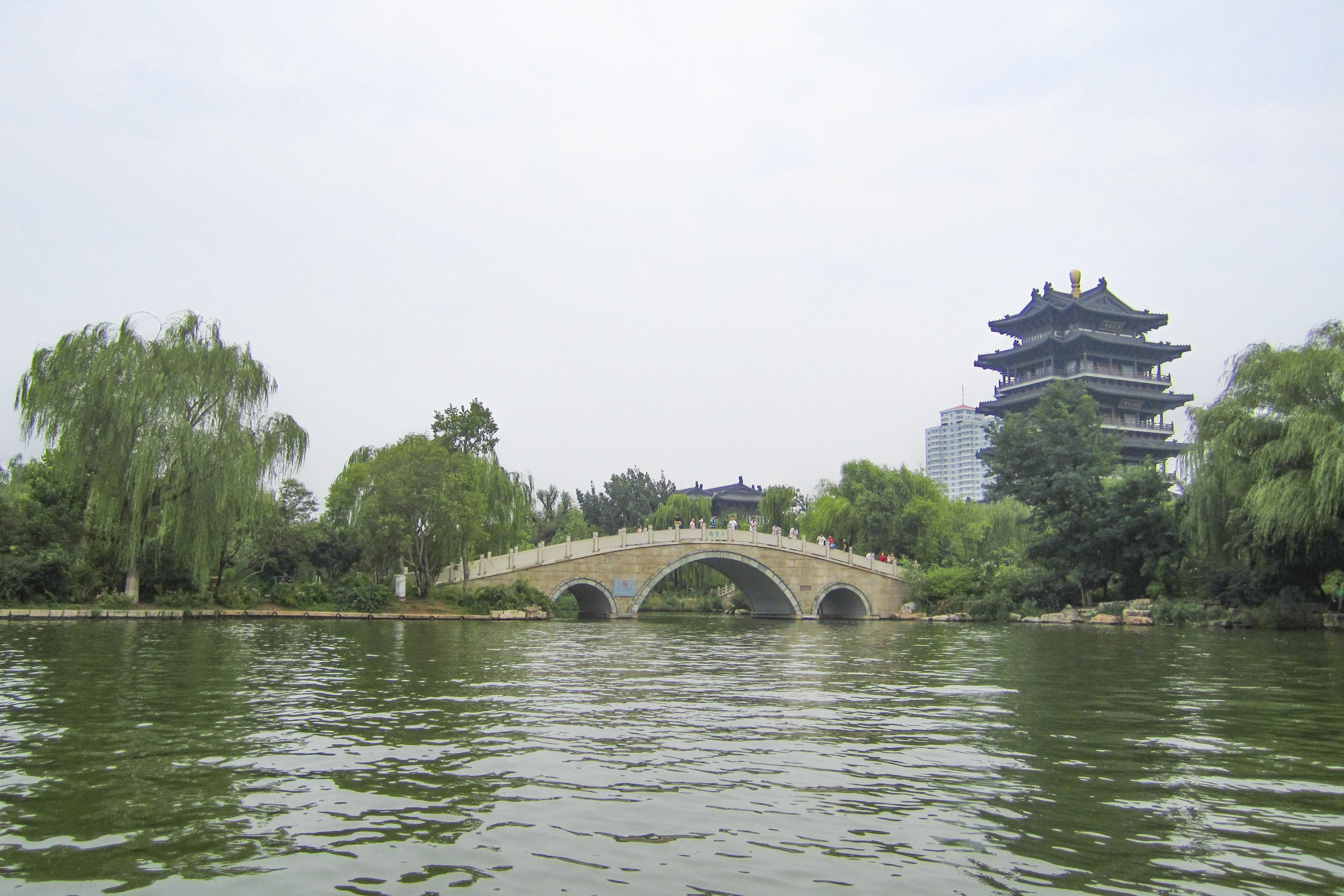 """山东济南三大名胜之一,被誉为""""中国第一泉水湖"""",却不收取门票"""