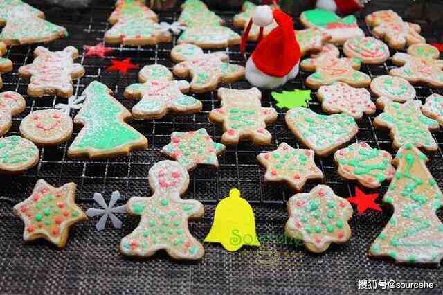 圣诞姜饼不用买,只需普通的食材就能做,好吃好玩,孩子们很喜欢